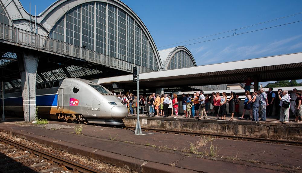 TGV in Karlsruhe-1