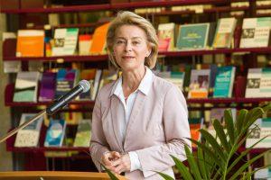 Dr. U.v.d. Leyen Mannheim 18 - 11